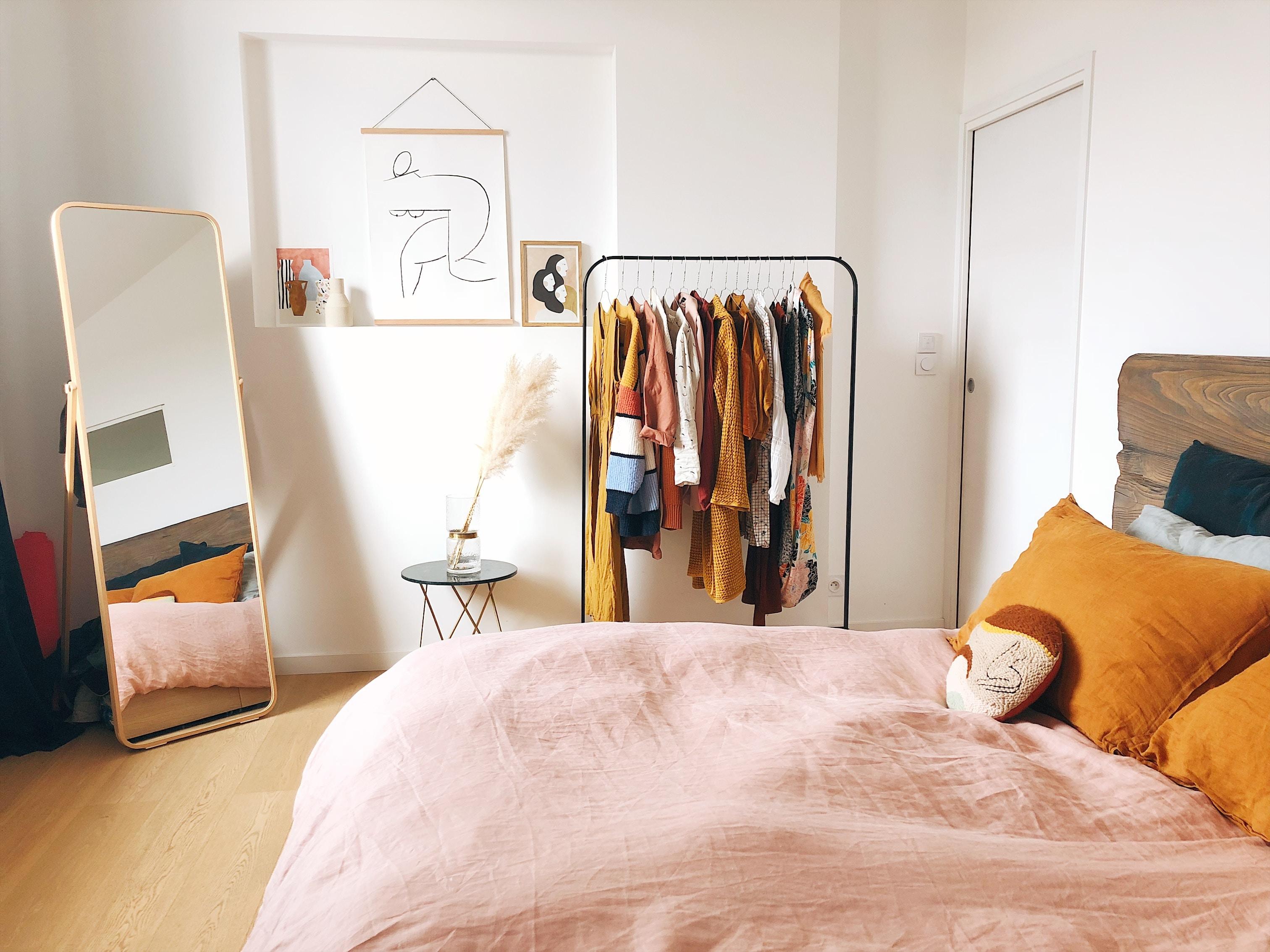 Jak optycznie powiększyć pokój – wybieramy panele podłogowe